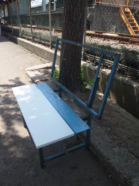 バス停ベンチ