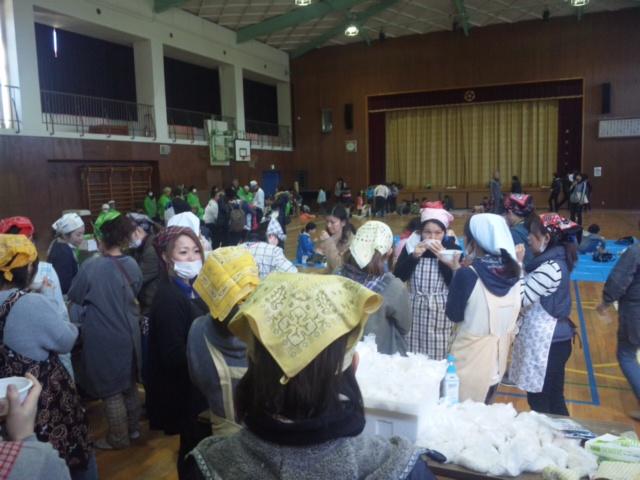 箱作小学校・餅つき大会