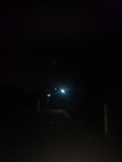 家を出るときは、もうこんな暗いです!