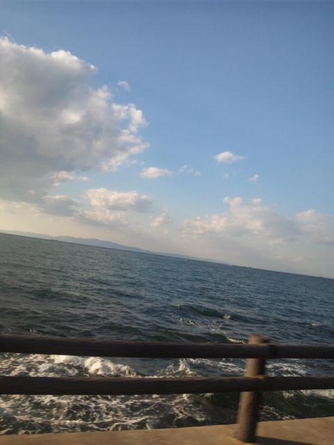 本日も、きれいな海