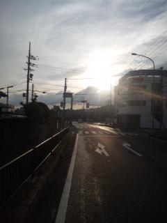 本日も、大阪維新の会・市政対策委員の方のお手伝いで、朝立の駅にママチャリで向かってます!松田竹千代先生の出身地、箱作駅へ!