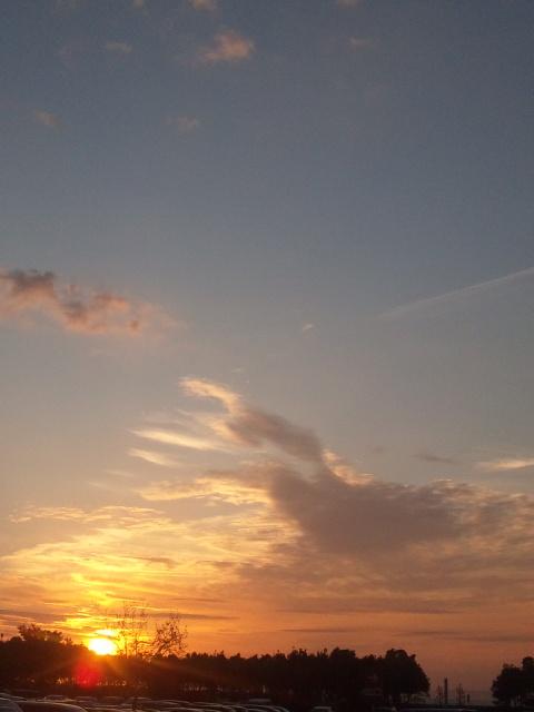今日も一日、お疲れ様でした!きれいな夕日、一日の終わり
