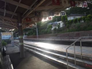 めでたい電車、加太さかな線、外人さん多いです!