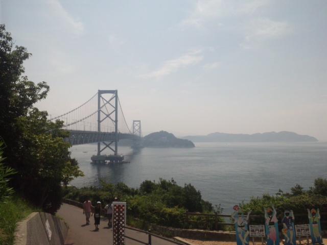 そうだ! あわじ島バーガーを食べに行こう! 鳴門大橋に到着!