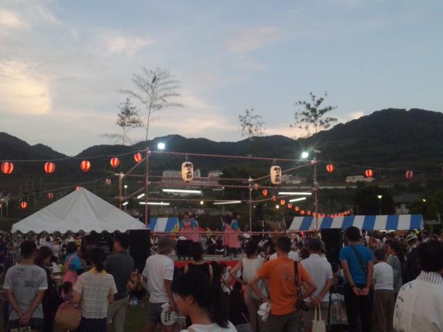 関空埋め立て土砂を取った阪南スカイタウンの夏祭り 盛大です!