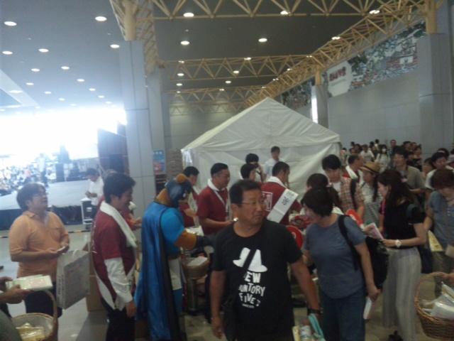 関空夏祭り 大阪泉州タオル1<br />  万3千枚、あっという間になくなりました!