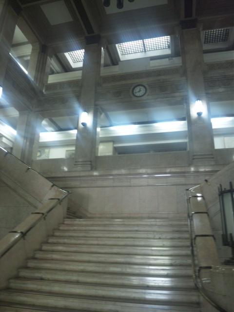 大阪府庁にて